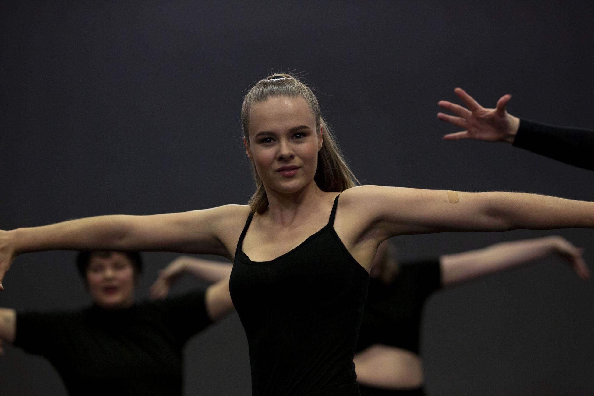 Danselinje på Solbakken folkehøgskole